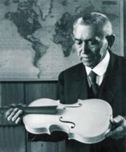 Fundador Karl Höfner